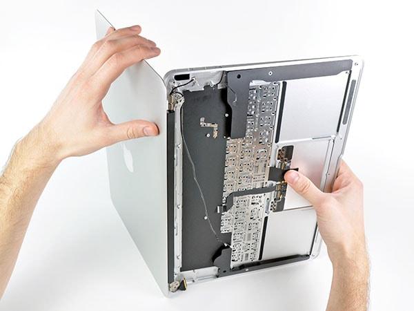 تعمیرات مک بوک اپل در نمایندگی اپل